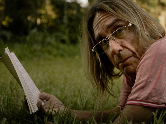 To Stay Alive Iggy Pop leest voor
